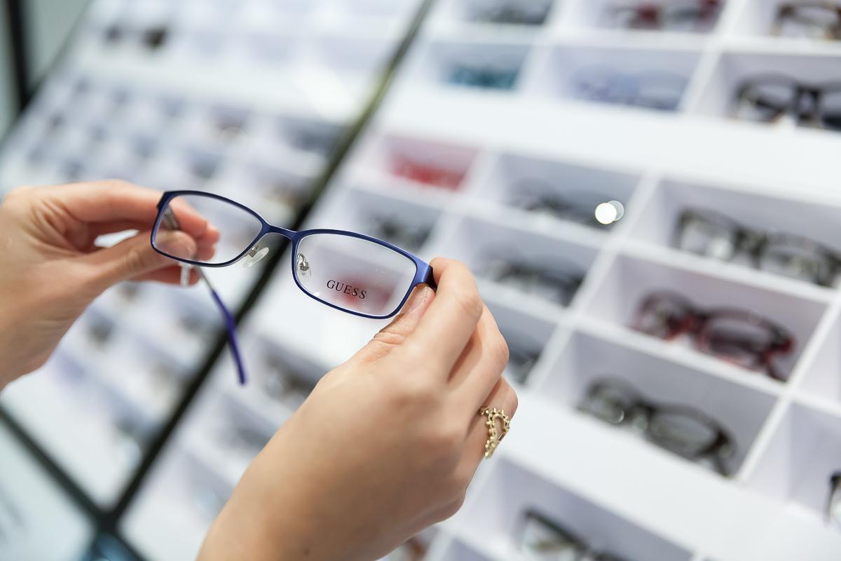 Spectacles & Sunglasses